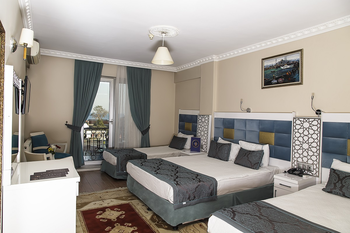 Presidential Suite with Sea view and Balcony